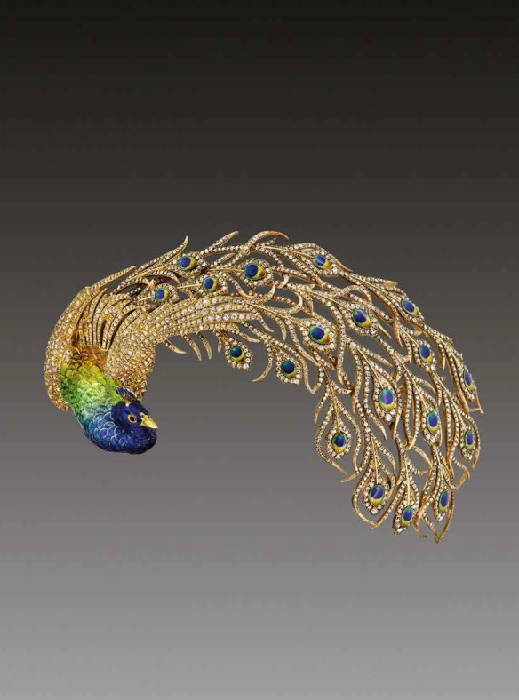 Mellerio-dits-Meller-Peacock-brooch-daring-from-1905-featuring-diamonds-and-enamelling.-Private-collection